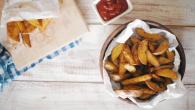 Картофельные дольки с чесноком и травами